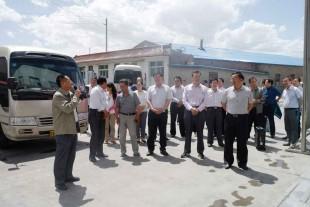 景泰县四大领导班子一行莅临景泰金龙化工建材公司参观考察